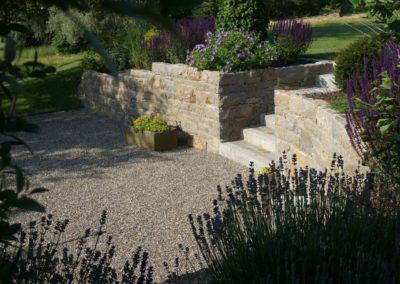 FROMMER gartenreich - Natursteinmauer mit Treppe